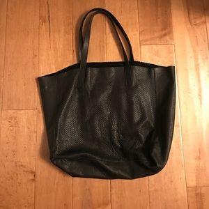 Velvet perforated leather tote shopper black 👜